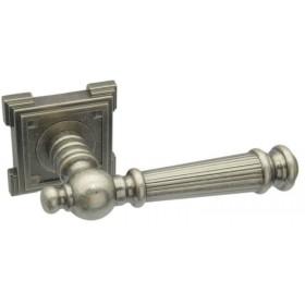 Межкомнатная дверная ручка Adden Bau CASTELLO VQ212 Состаренное серебро